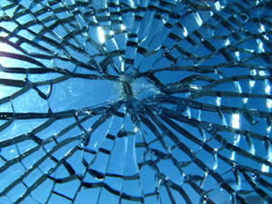 Broken_glass_300