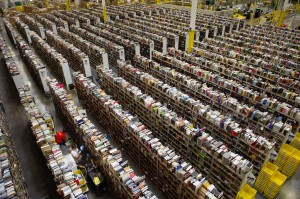 An Amazon.com Distribution Center in Phoenix, Ariz. Photographer: David Paul Morris/Bloomberg